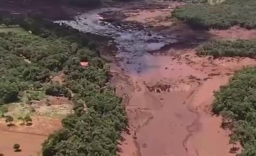 برازیل کی ریاست میناس جیرس میں لوہے کی کانوں میں بنا ڈیم ٹوٹ گیا