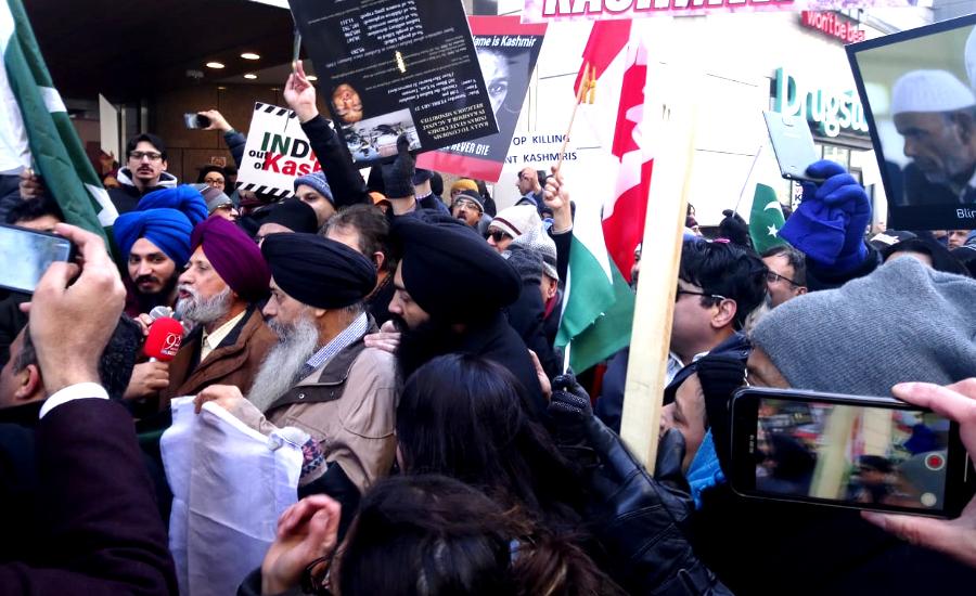 مقبوضہ کشمیر میں بھارتی مظالم کیخلاف کینیڈا میں بھارت مخالف احتجاجی مظاہرہ