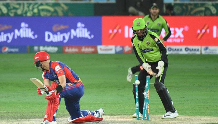 کراچی کنگز نے لاہور قلندرز کو پانچ وکٹوں سے شکست دے دی