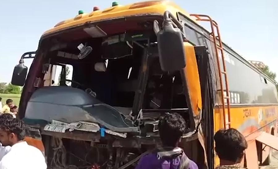بھکر ، بس نے رکشہ کچل دیا ، 7طلبات اور ڈرائیور جاں بحق