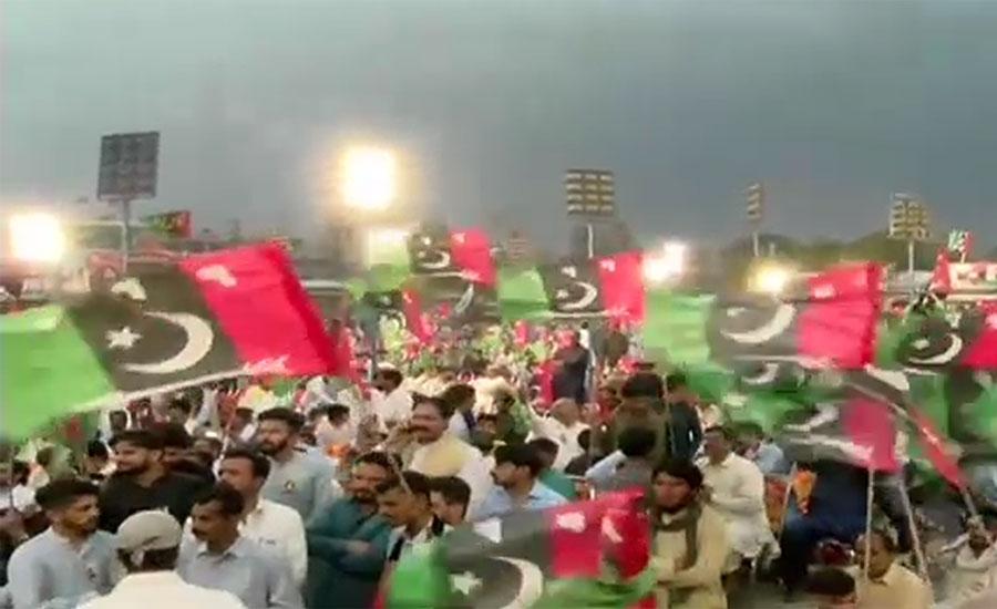 گوجر خان ، بلاول بھٹو کی آمد سے قبل گرد آلود آندھی سے جلسہ کے انتظامات درہم برہم