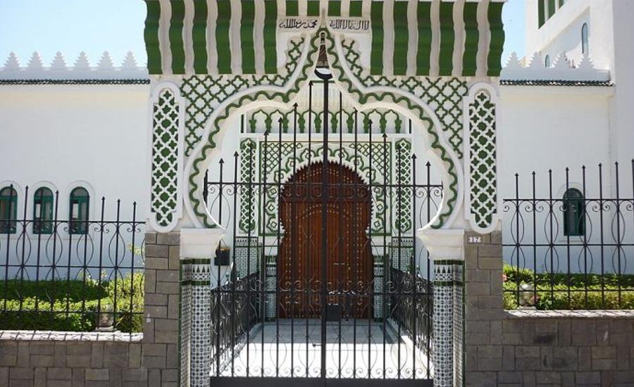 سپین میں مسجد پر2 نقاب پوش افراد کی فائرنگ،نمازی محفوظ