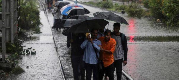 بھارتی شہر ممبئی مون سون بارشوں تباہی دو درجن زائد افراد ہلاک