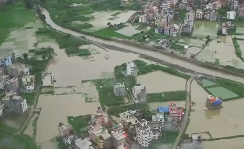 نیپال بنگلہ دیش بھارت موسلا دھار بارش سیلاب 136افراد ہلاک