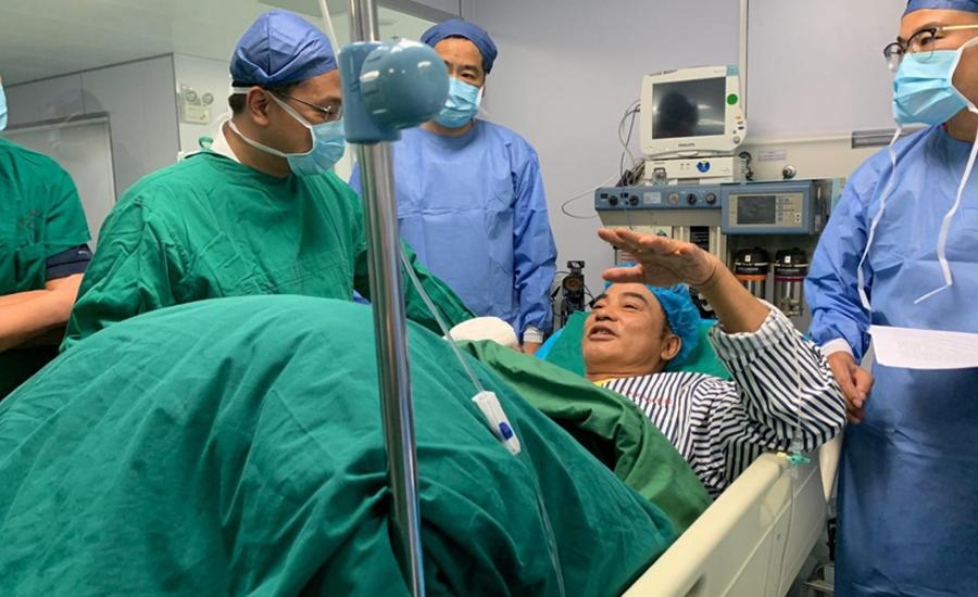 ہانگ کانگ کے اداکار کو چین میں تقریب کے دوران چھرا گھونپ دیاگیا