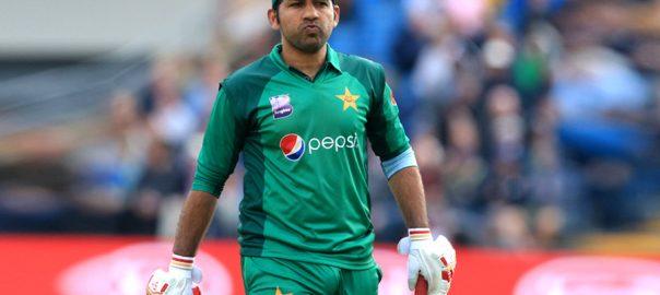 بلے بازی  سرفراز  لاہور  ویب ڈیسک  ورلڈ کپ 2015  ورلڈ کپ 2019  کتراتے رہے عماد وسیم وہاب ریاض میچ وننگ کارکردگی عمر اکمل