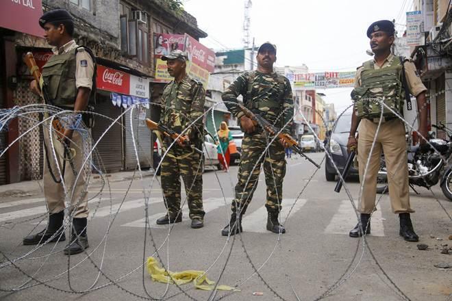 مقبوضہ کشمیر میں بدترین کرفیو، قابض فورسز کا سرچ آپریشن، 8 کشمیری گرفتار