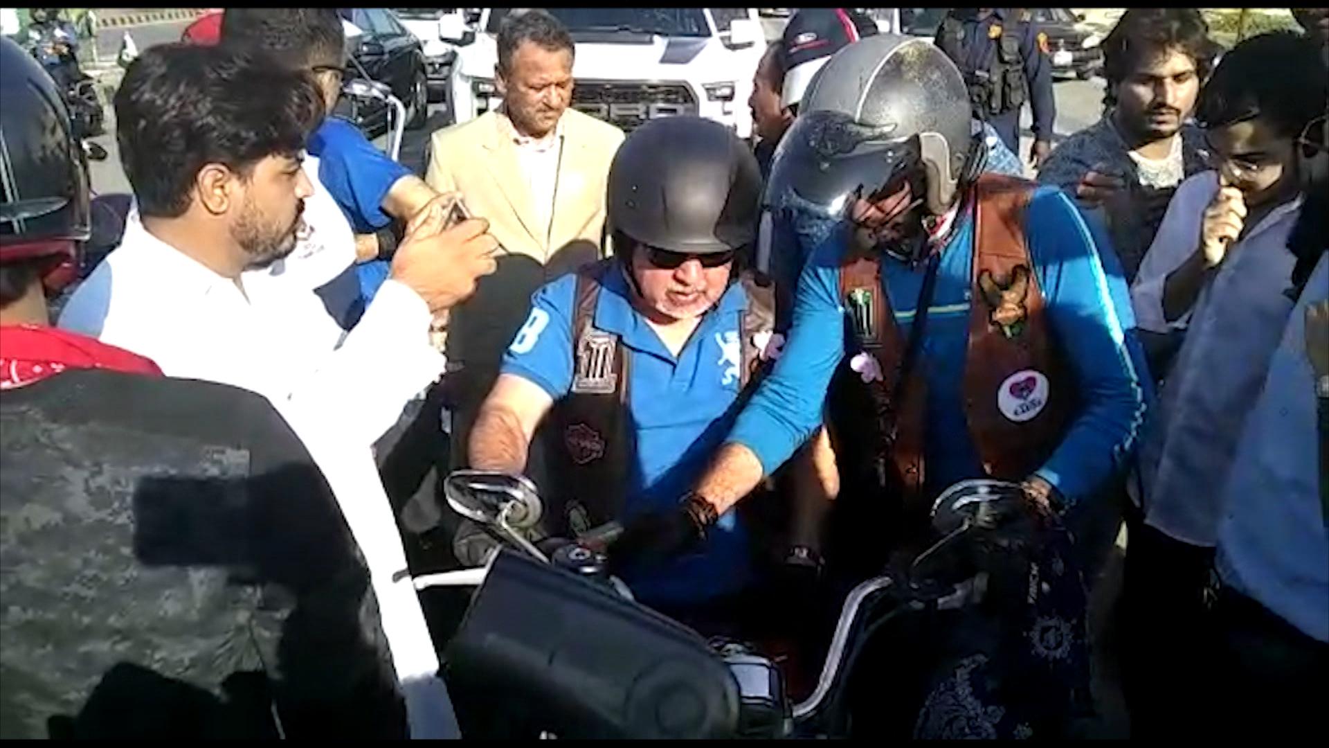 کراچی میں کینسر سے متعلق آگاہی دینے کیلئے ہیوی بائیک ریلی کا انعقاد