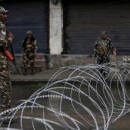 درندہ صفت  بھارتی  تین کشمیری شہید  سرینگر  92 نیوز  ضلع پلوامہ  گھر گھر تلاشی  حریت کمانڈر  عبدالحمید