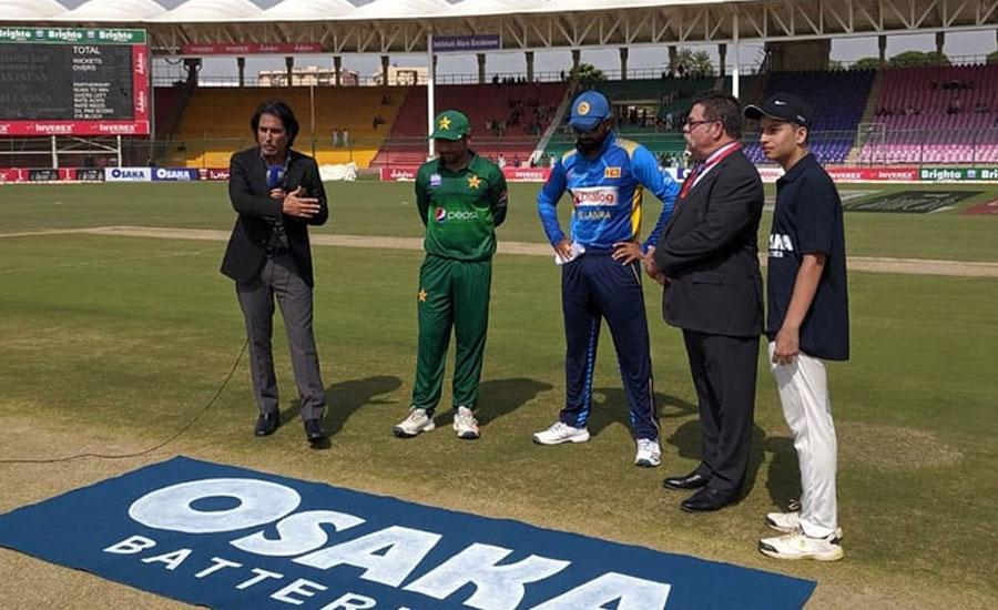 تیسرا ون ڈے ، سری لنکا کا ٹاس جیت کر بیٹنگ کا فیصلہ