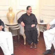 وزیر اعلیٰ پنجاب چودھری برادران سیاسی صورتحال لاہور  92 نیوز چودھری شجاعت حسین  چودھری پرویز الٰہی