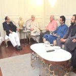 پی ٹی آئی کے رہنماؤں کی ق لیگی قیادت سے ملاقات، سیاسی امورپر گفتگو