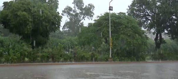 کراچی ، رات ، علی الصبح ، ہلکی ، تیز بارش، نشیبی علاقوں ، پانی ، جمع