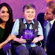 برطانوی شہزادہ ہیری  بچوں کی تقریب  جذباتی ہو گئے  لندن  92 نیوز احساسات تبدیل  اولاد کی حفاظت برطانوی دارالحکومت  ویل چائلڈ ایوارڈز 