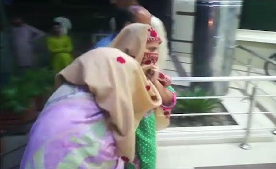 وہاڑی، پٹرولنگ پولیس اہلکاروں کی لڑکی کیساتھ مبینہ زیادتی