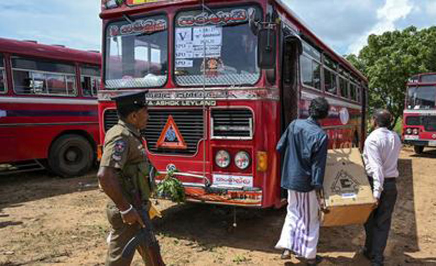 سری لنکا میں صدارتی انتخابات، مسلمان ووٹرز کی بس پر نامعلوم حملہ آوروں کی فائرنگ