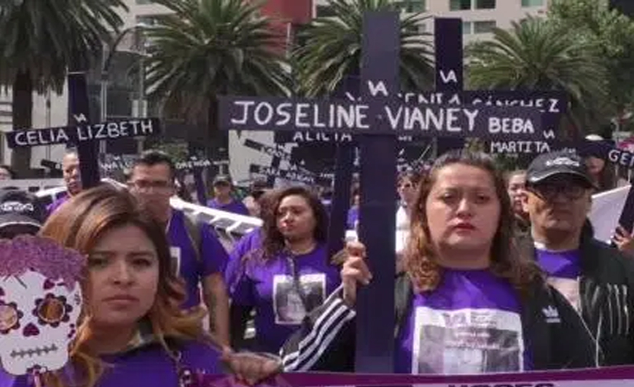 ڈے آف دی ڈیتھ ، میکسیکو میں خواتین کی کثیر تعداد کا احتجاج