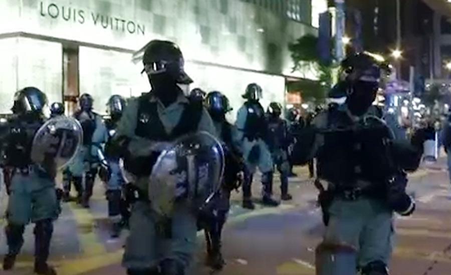 ہانگ کانگ میں حکومت مخالف مظاہرے ، پولیس پر پٹرول بموں سے حملے