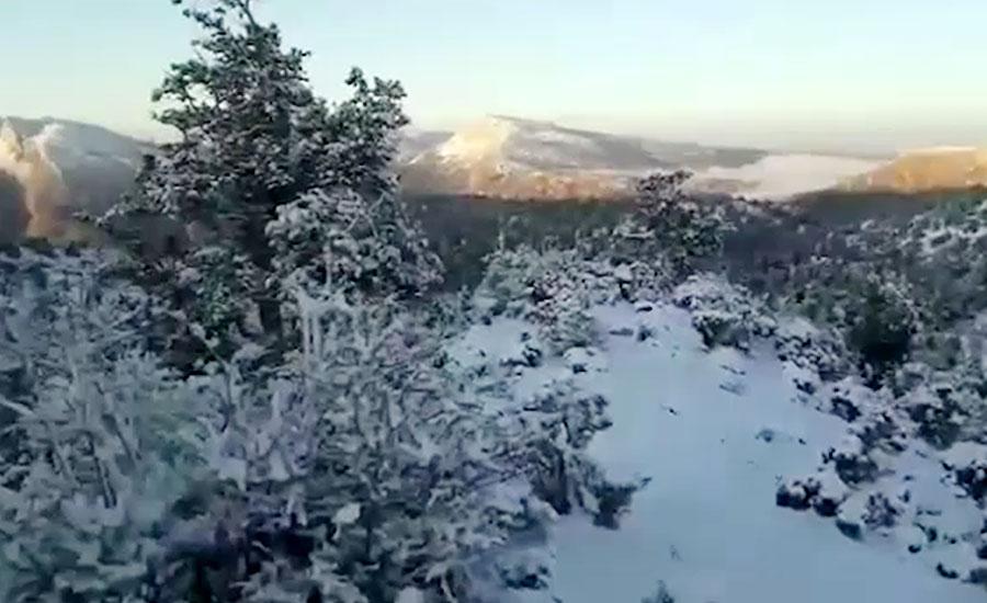 زیارت میں موسم سرما کی پہلی برفباری، سردی بڑھ گئی