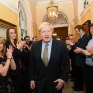 برطانوی انتخابات، حکمران جماعت کنزرویٹو، 364 نشستیں، جیت، میدان مار لیا، لندن، 92 نیوز