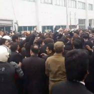 وکلاء پی آئی سی غندہ گردی صحافیوں پر بھی تشدد دل کا اسپتال میدان جنگ لاہور  92 نیوز پنجاب انسٹیٹیوٹ آف کارڈیالوجی