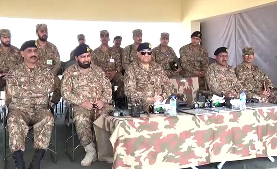 آرمی چیف کا کراچی کور فارمیشنز، سندھ رینجرز کا دورہ، مشقیں دیکھیں
