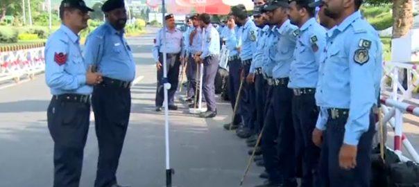 اسلام آباد ، پولیس ، اہلکاروں ، یونیفارم ، ویڈیو کیمرے ، نصب ، فیصلہ