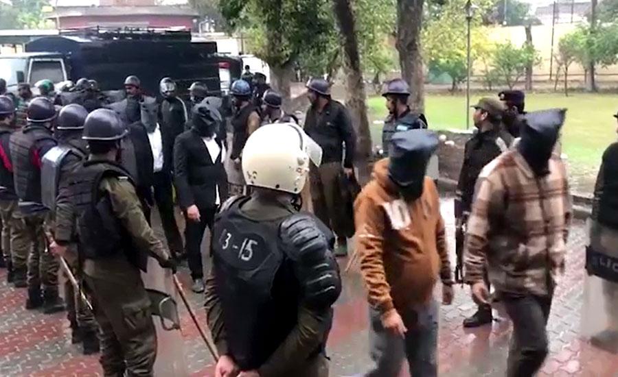 پی آئی سی حملہ کیس میں ملوث 46 وکلاء 14 روزہ ریمانڈ پر جیل منتقل