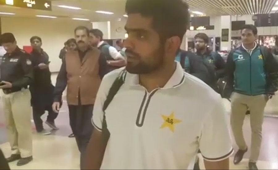 پاکستان اور سری لنکا کی ٹیموں کا کراچی میں پڑاؤ، مہمان ٹیم گرم جوش استقبال پر خوش