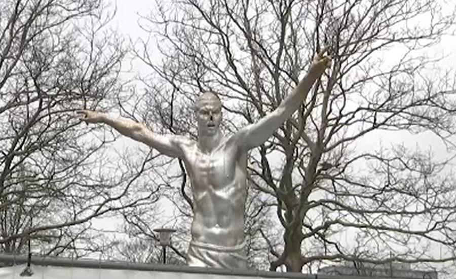 زلاتان ابراھیموویچ کے ناراض مداحوں نے انکے مجسمے کی ناک کاٹ دی
