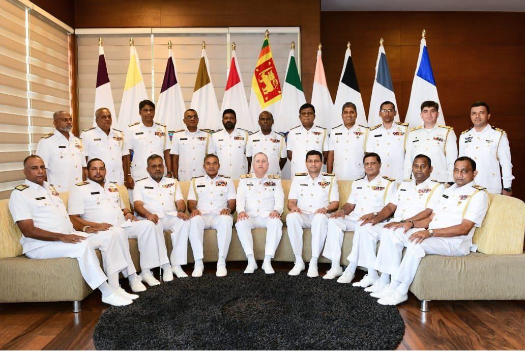 چیف آف دی نیول اسٹاف کی وزیر اعظم سری لنکا اور فوجی سربراہان سے ملاقاتیں