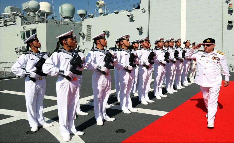 چیف آف دی نیول اسٹاف کا کراچی میں چینی بحریہ کے جہاز ین چواں کا دورہ