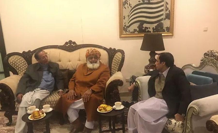 چودھری برادران کی مولانا فضل الرحمٰن سے آرمی ایکٹ پر قانون سازی پر مشاورت