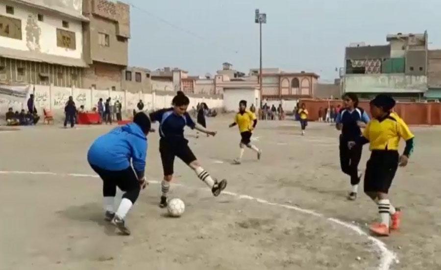 ٹنڈو محمد جان میں فٹبال ٹورنامنٹ، 4 شہروں کی لڑکیوں نے صلاحیتوں کا لوہا منوایا