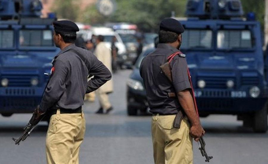 تھریٹ کمیٹی کے سربراہ کمشنر کراچی نے اپنے لیے 16 گارڈز کی منظوری کرا لی