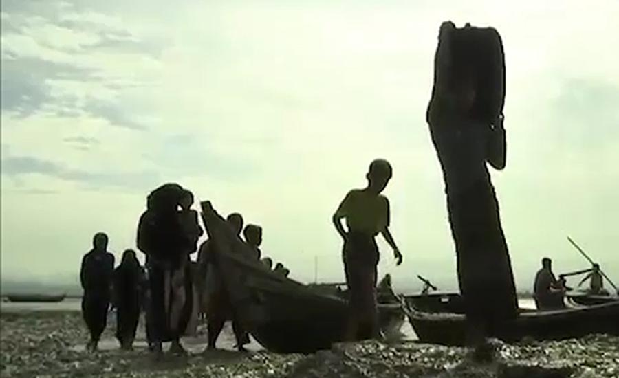 روہنگیا تارکین وطن کی بنگلہ دیش کے قریب کشی الٹ گئی ،14جاں بحق