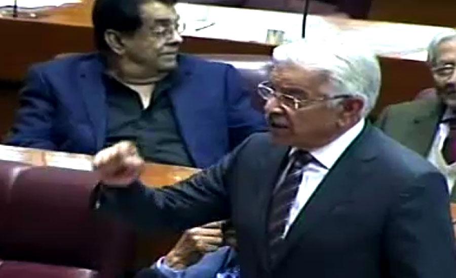 عمران خان کیسے بیانات دے رہے ہیں، ریاست کیساتھ کیا کرنا چاہتے ہیں، خواجہ آصف