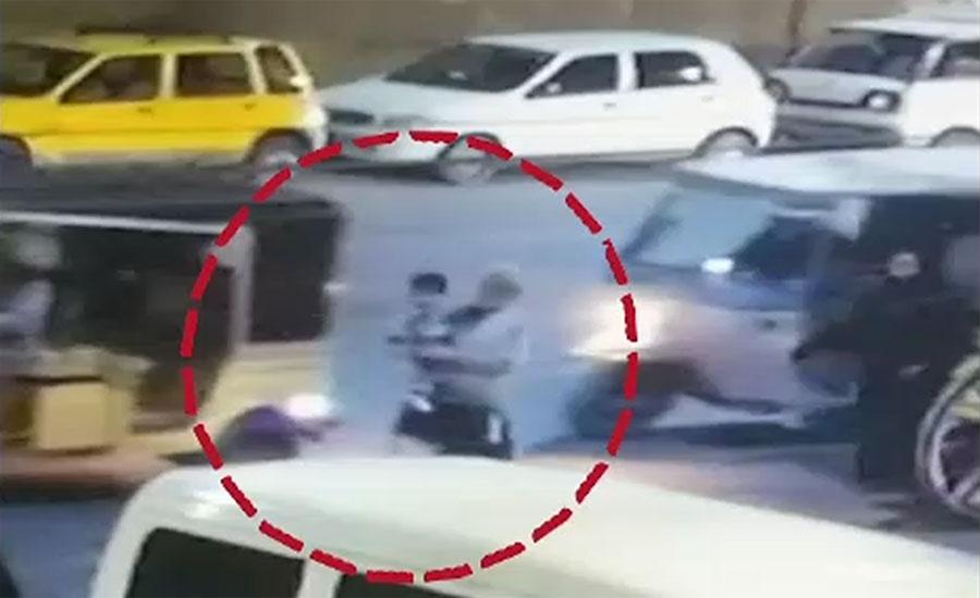 کراچی کے علاقے جہانگیر پارک سے بچہ اغوا کرنیوالے ملزمان کا ابتدائی بیان ریکارڈ