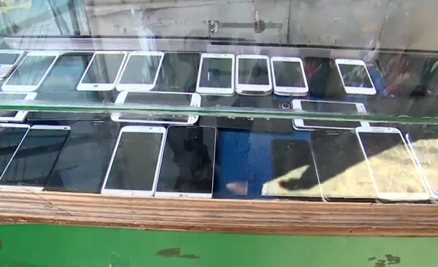 موبائل فون کی درآمد پر ود ہولڈنگ ٹیکس کم کیے جانے کا امکان