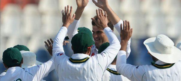 پاکستان نے پہلے ٹیسٹ میں بنگلہ دیش کو ایک اننگز اور 44رنز سے شکست دیدی