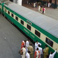 pakistan railways ریلوے حکام  آؤٹ سورس  لاہور  92 نیوز