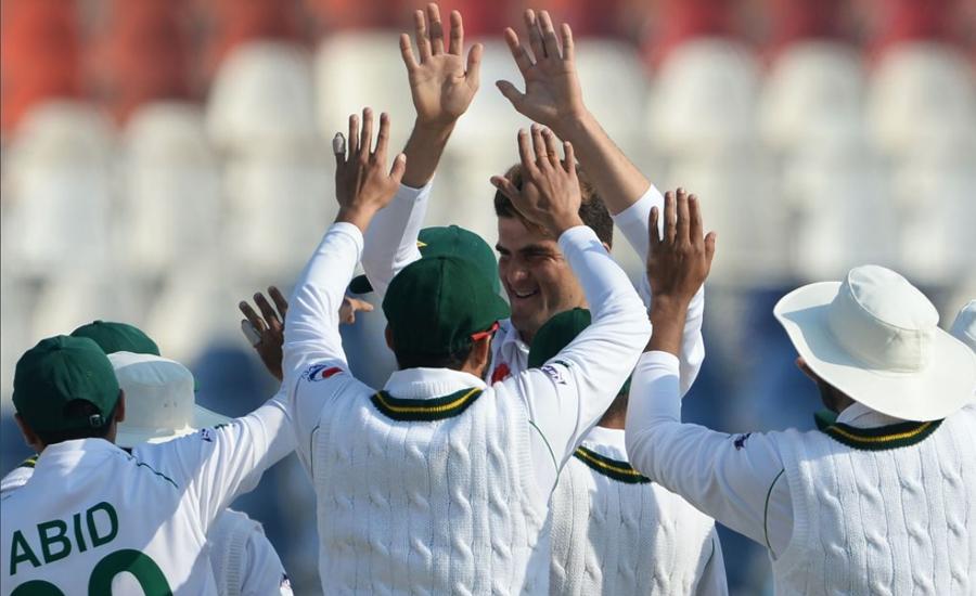 پاکستان نے بنگلہ دیش کو ایک اننگز اور 44 رنز سے شکست دیدی