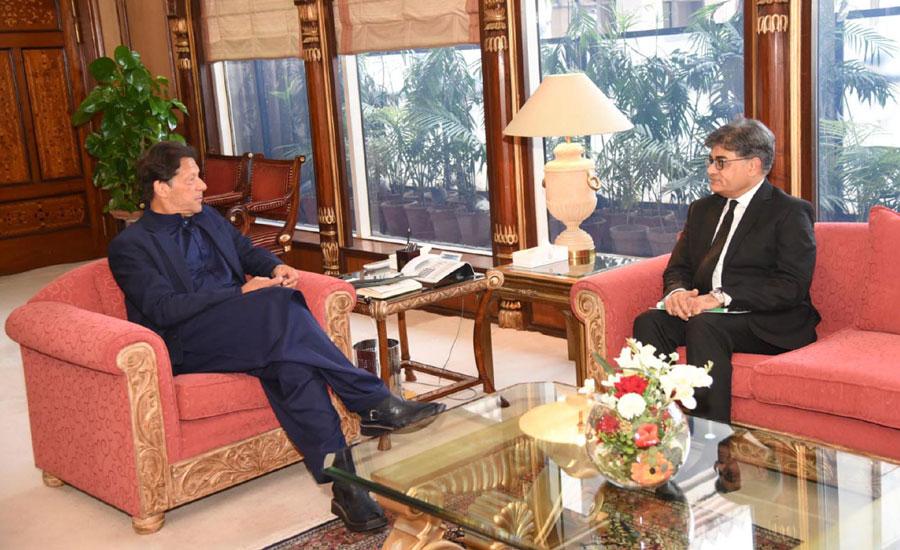 اٹارنی جنرل خالد جاوید خان کی وزیر اعظم سے ملاقات ، قانونی امور سے متعلق آگاہ کیا