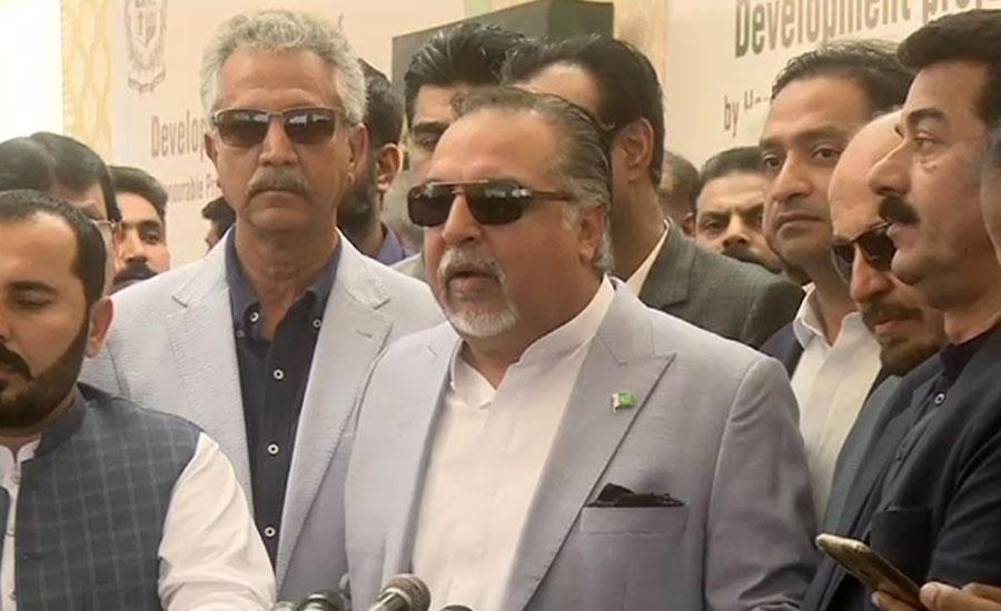 گورنرسندھ نے کراچی میں تین فلائی اوورز منصوبوں کا افتتاح کردیا