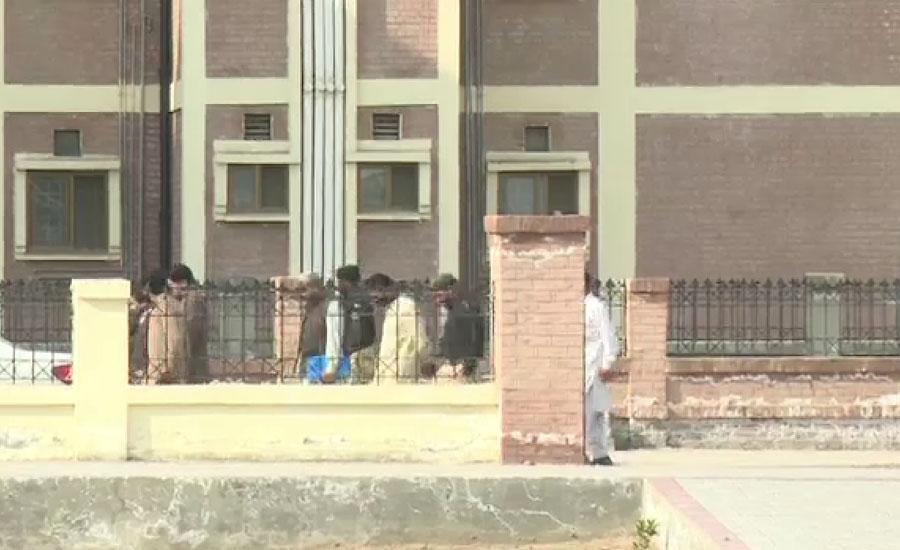 ڈی جی خان قرنطینہ میں 14 دن قیام مکمل کرنیوالے 37 زائرین ملتان پہنچ گئے