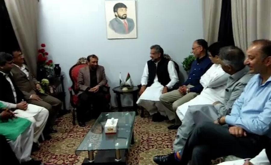 مسلم لیگ ن کے وفد کی فاروق ستار سے ملاقات، ن لیگ میں شمولیت کی دعوت دی