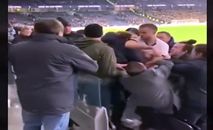 فٹبال پلیئر ایرک ڈائیر نے تماشائی کی ٹھکائی کر دی