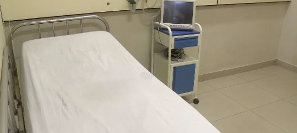 کورونا وائرس ، کیسز ، سندھ ، اسپتالوں ، وینٹی لیٹرز ، کمی