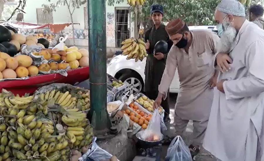 کراچی، ضلعی انتظامیہ پھلوں کی قیمت کنٹرول کرنے میں ناکام