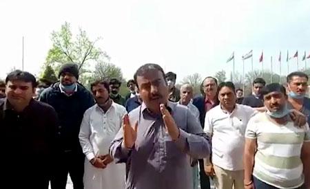 دوشنبے میں پھنسے پاکستانیوں کو لیکر پی آئی اے کی پرواز اسلام آباد پہنچ گئی